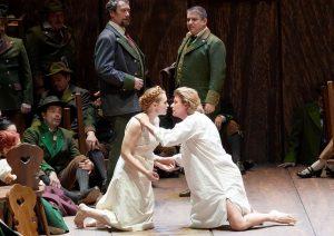 РОССИНИ И ВАГНЕР В ДОМЕ НА РИНГЕ В начале года в Венскую оперу в очередной раз вернулись...