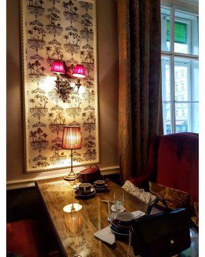 Café Gerstner ☕🍰🍭 . #CaféGerstner #CaféGerstnerVienna #Kaffehauss #CoffeeBreak #TeaTime #TeaTimeLovers #CosyPlace #CakeBreak #ViennaCity #ViennaCityCenter #Vienne #Vienna #Wien...