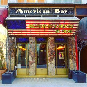 Wien/Vienna - Loosbar Der berühmte Architekt Adolf Loos entwarf die American Bar im Jahr 1908. Loos gilt...