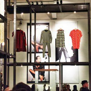 SHOW OFF austrian fashion design @mak_vienna . . . . . . . #fashiondesign #fashion #design #show...