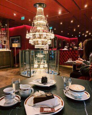 🏹 #lovethishotel #hotelsacher 🖤 #igersvienna #viennastyle #vienna_city #viennaaustria #viennafood #vienna_go #vienna_austria #viennacalling #viennagram ...