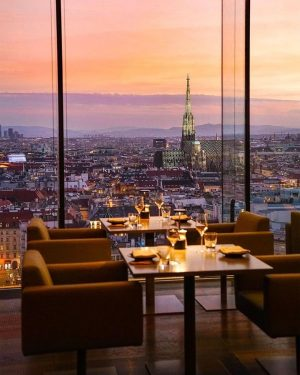 Comment with a ❤️ if you want to dine here! 🥂 by @michutravel #ViennaNow Das LOFT Restaurant...