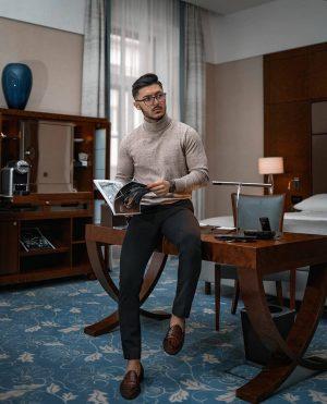 Remets-toi au travail !#AvecClasse bien-sûr! #Gentlemen1ST - Tag us to be featured 📲 - **Nouvelle Vidéo, LIEN...