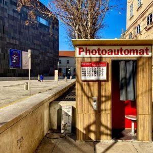 Seit unfassbaren 10 Jahren sorgt unser Photoautomat schon für tolle Erinnerungsfotos im MQ ...