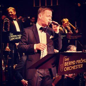 Fokus. #ballroom #bigband #Opernball #live #dancing #music #Singer #viennesetradition #Saxophon Wiener Staatsoper