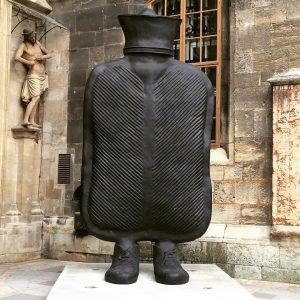 Wien Original unterwegs: wieso braucht der Stephansdom ein Wärmflasche? Wien ist anders! #wienoriginal🎡 #Stephansdom #cityofmusic #unescoworldheritage #steffl...