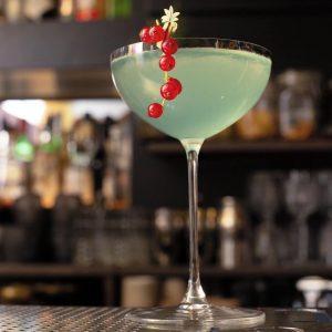 BARS AND FANCY DRINKS 4/7 🍸 Das Wochenende ist zum greifen nah Foodies 🥳 Es wird höchste...
