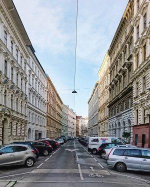 Alsergrund #wien #österreich #vienna #austria #architecture #architektur #wiennurduallein #nurderschönheitwegen #vienna_austria #igersvienna #wienstagram #oesterreichbild_azw #youshouldbettereatarchitecture