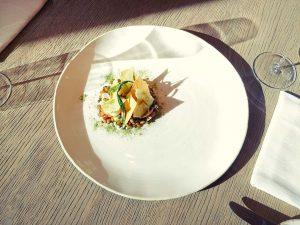 tellerlinse, navette, erste wildkräuter. . . . #tian #tianwien #tianvienna #tianrestaurant #tianrestaurantwien #paulivic #vienna #wien #viennafood #michelin...