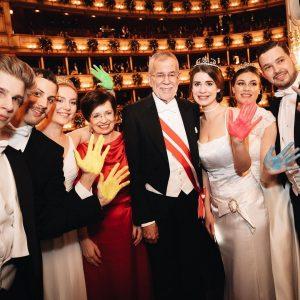 Eindrücke vom Opernball in der Wiener Staatsoper. Eine schöne Ballnacht voller Begegnungen und guten Gesprächen. ________ @wienerstaatsoper...