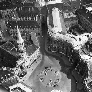 Parkplätze frei am Michaelerplatz! Die Autofahrer ahnten wohl nicht, dass hier einst eine wichtige römische Straßenkreuzung war....