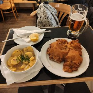 Wiener Schnitzel aprovado no rolê gastronomia. Gasthaus Pöschl früher Immervoll