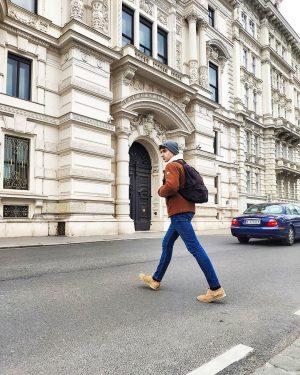 • RECORDATORIO. Niñ@s antes de cruzar la calle mirar dos veces y tomar ...