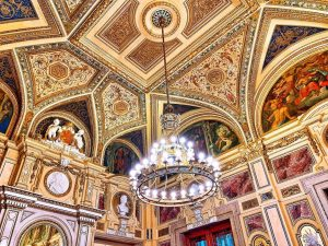 Roaming the Vienna State Opera and at awe at their beautiful ceilings😍Austria🇦🇹 Wiener Staatsoper