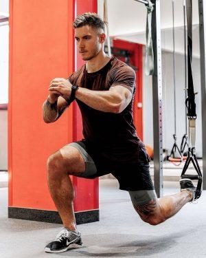 🤩 Wer muss mit dir einen Leg Day machen? 📸 @mario_schafzahl #gymbuddy #gymmotivation #legday #legdayworkout #johnharris #johnharrisfitness...