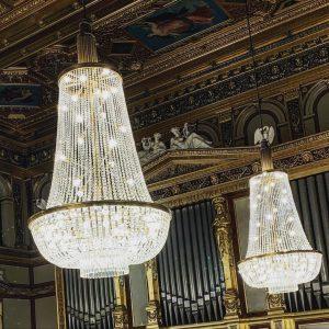 Chandelier #musikverein #lobmeyr #philohellenism #theophilhansen #architect #architecture #musichall #vienna #igersvienna #igersaustria Wiener Musikverein