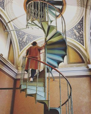 Another twist.. to the staircase. Kunsthistorisches Museum Vienna