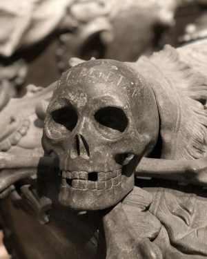 Jedermann #graveyard #EtoE_2 #graveyard_dead #aj_graveyards #graveyard_lovers #taphophilia #blackraven_inspired #Graveyard_Photogroup #cemetery_shots #cemeterylovers #cemetery_nation #vd_sepulcrum #tv_churchandgraves #fa_sacral #cryptic_aesthetic #Grave_Gallery...