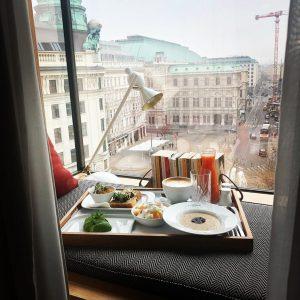 Mein Montagmorgen war 👌🏼dank des Teams vom @the_guesthouse_vienna #roomwithaview #theguesthousevienna #hotel #mondaymotivation #businessandpleasure #lovethis #designhotel #breakfast The...