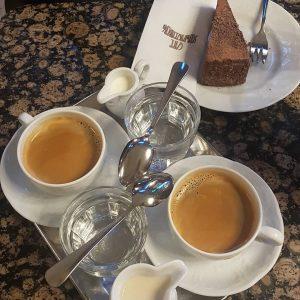 Ältestes Kaffehaus in Wien....alles noch wie damals Cafe Schwarzenberg
