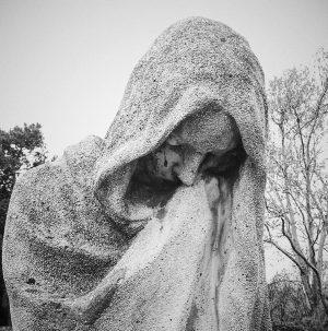 When angel cries. #wienerzentralfriedhof #wien #vienna #igersvienna #wienliebe #wienliebe❤ #tombstonetourist #blackandwhitephotography Wiener Zentralfriedhof