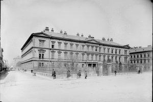 (1895/ÖNB/Wien Wiki) Filiale des k.k. Militär Invalidenhauses, Lerchenfelder Gürtel 57. Yppenheim, Invalidenhaus des Niederländers Simon Peter Freiherr...