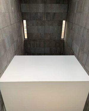 Museums alway have amazing architecture . #museum #museumarchitecture #architecture #vienna #viennaaustria #mumok #minimal #minimalism mumok - Museum...