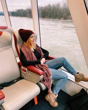 🚤🌊 . . #twincityliner #wien #vienna #bratislava #twincity #boats #writersofinstagram #writersofig #writer #austrianwriter #austrianblogger #donau #danube Twin...