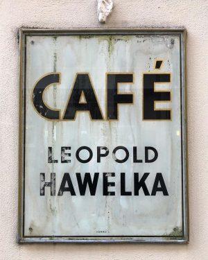 endless wiener melange Café Hawelka