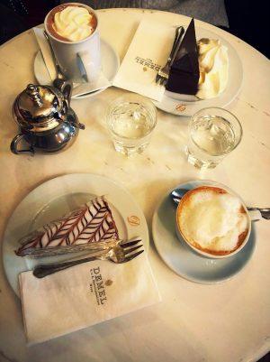 Embracing the coffee house culture ☕️ #vienna #demel #austria #glutenfreecake @srprsme K. u K. Hofzuckerbäcker DEMEL