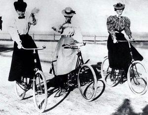 """""""Das Fahrrad hat die Frauen mehr emanzipiert, als alles andere auf der Welt. Es gab ihnen ein..."""