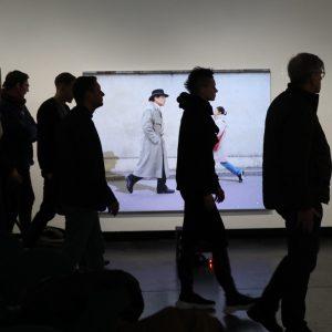 Maschierende Schatten... >;e) im und VOR #Werk von #LiddyScheffknecht #Tresor #Kunstforum #Freyung #collected ...