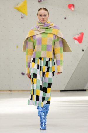 💛 Graphic, dramatic and colorful: Arthur Arbesser's outfits for our current exhibition SHOW OFF come from different...