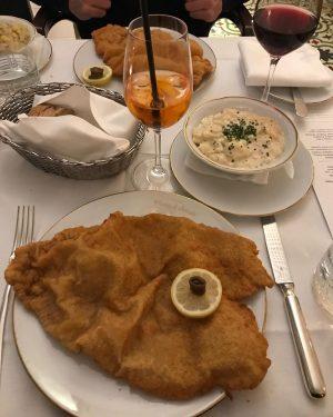 Wiener Schnitzel Love 🇦🇹♥️ Tu n'as pas été à Vienne si tu n'as pas mangé une escalope...