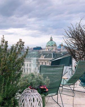 Vienne, ma belle 💛 Je suis tombée amoureuse de cette ville, son architecture, ses trésors, son patrimoine...