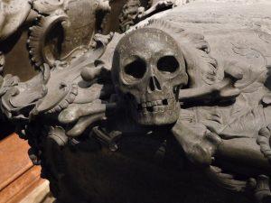 The Imperial Crypt in Vienna #habsburg #kaisergruft #crypt #vienna #darktourism #wien #momentomori #travelgram Kaisergruft