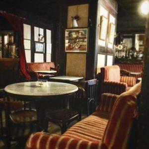 Traditional cafe #cafe #café #cafestagram #vienna #viennaaustria #viennacafe #viennacafé #cafehawelka #caféhawelka #caféhawelkawien #wien #wiencafe #ウイーン #カフェ #老舗...