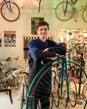 Das @veloversum_vintage_bikes im 6. Bezirk ist ein Paradies für alle LiebhaberInnen von Vintage ...