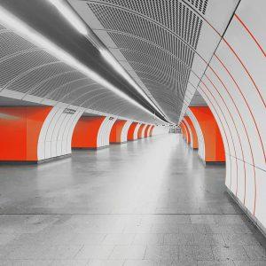 virusleere #igersvienna #igersaustria#corona #ausgangsverbot #westbahnhof #u3 #sonntaginwien #justgoshoot #exploreeverything #instagood #photooftheday #wien #vienna ...