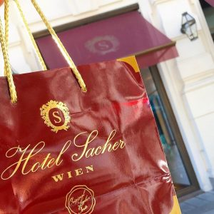 正直いうとDEMEL派🤔 Sacher Hotels