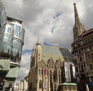 #reisennachcorona #travelaftercorona #wien #myvienna #mycity #lovevienna #1000thingsinvienna #1000thingstodoinvienna #stephansplatz #cathedral #architecture #travel #travelwriter #travelphotography #travelgram #igersaustria #igersvienna...