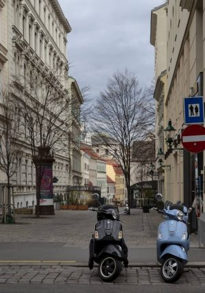 Somewhere in Mariahilf, Vienna. #mariahilf #vienna #wien #austria🇦🇹 #austria #österreich #city #street #building ...