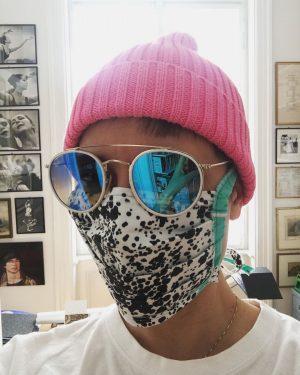 The new #anonymous #vermummungsgebot #mouthguard #mundschutz #doityourself #awareness #solidarity #protection #protectivestyles #vermummungsverbot #mondaymotivation #stadtessen #nähanleitung #viralfashion #rudolfnureyev...