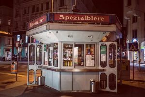 Saturday night at a Wuerstelstand without sausages in Vienna, Austria, 28 March 2020. Until the outbreak of...