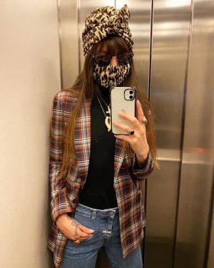 Mittlerweile gilt die Schutzmasken-Pflicht auch in Österreich – zumindest in den Supermärkten. Und wer sagt, dass wir...