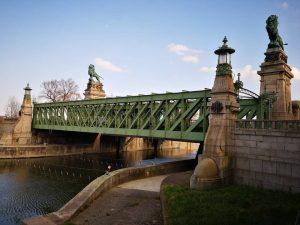 #schemerlbrücke 💚 . . . . . Die Brücke von der aus #moretti ins Wasser sprang und...