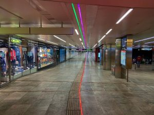 #ubahnwien #ubahnoper #u1 #u2 #u4 #ubahnkarlsplatz #undergroundstation #vienna #wien #noone #socialdistancing #notourists #2020 ...