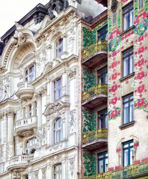 Beautiful Art Nouveau buildings located at the famous Naschmarkt 🌷 📸 @angie.kk #vienna_austria Naschmarkt