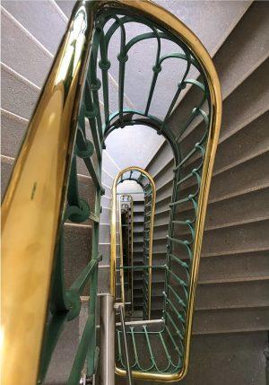 Stiegenhaus im Dritten . #stairhouse #vienna #igersvienna