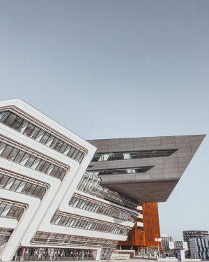 #Vienna #wienmalanders #wirtschaftsuniversitätwien #wuwien #architecture #architecturephotography #campus #university #wien #zahahadid WU (Wirtschaftsuniversität Wien)